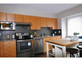 """Photo 5: 35 1268 RIVERSIDE Drive in Port Coquitlam: Riverwood Townhouse for sale in """"SOMERSTON LANE"""" : MLS®# V1034261"""