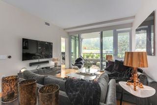 "Photo 3: 302 866 ARTHUR ERICKSON Place in West Vancouver: Park Royal Condo for sale in ""EVELYN"" : MLS®# R2298787"