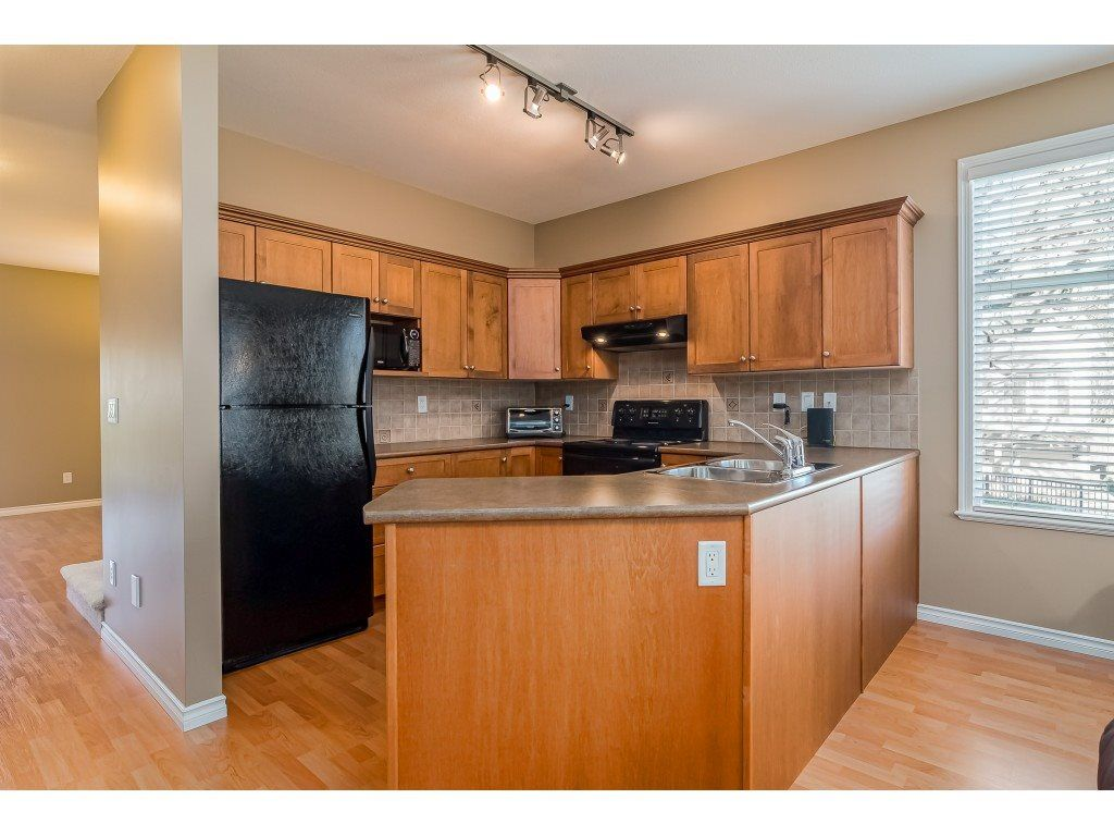 """Photo 10: Photos: 5 6588 188 Street in Surrey: Cloverdale BC Townhouse for sale in """"HILLCREST PLACE"""" (Cloverdale)  : MLS®# R2532394"""