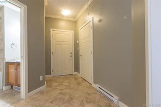 Photo 3: 101 7088 West Saanich Rd in BRENTWOOD BAY: CS Brentwood Bay Condo for sale (Central Saanich)  : MLS®# 801470