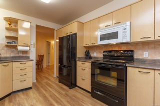 Photo 9: 103 1240 Verdier Ave in : CS Brentwood Bay Condo for sale (Central Saanich)  : MLS®# 859752