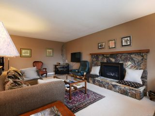 Photo 3: 10446 Resthaven Dr in : Si Sidney North-East House for sale (Sidney)  : MLS®# 855838