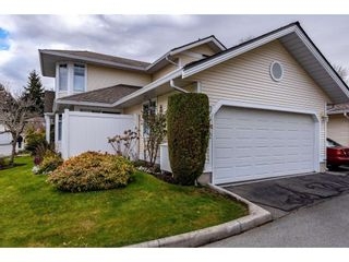 """Photo 2: 51 8737 212 Street in Langley: Walnut Grove Townhouse for sale in """"Chartwell Green"""" : MLS®# R2448561"""