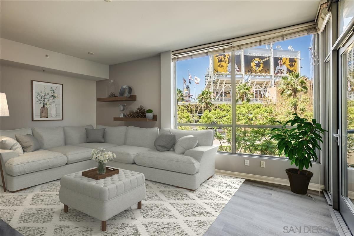 Main Photo: DOWNTOWN Condo for sale : 2 bedrooms : 253 10th Ave #321 in San Diego