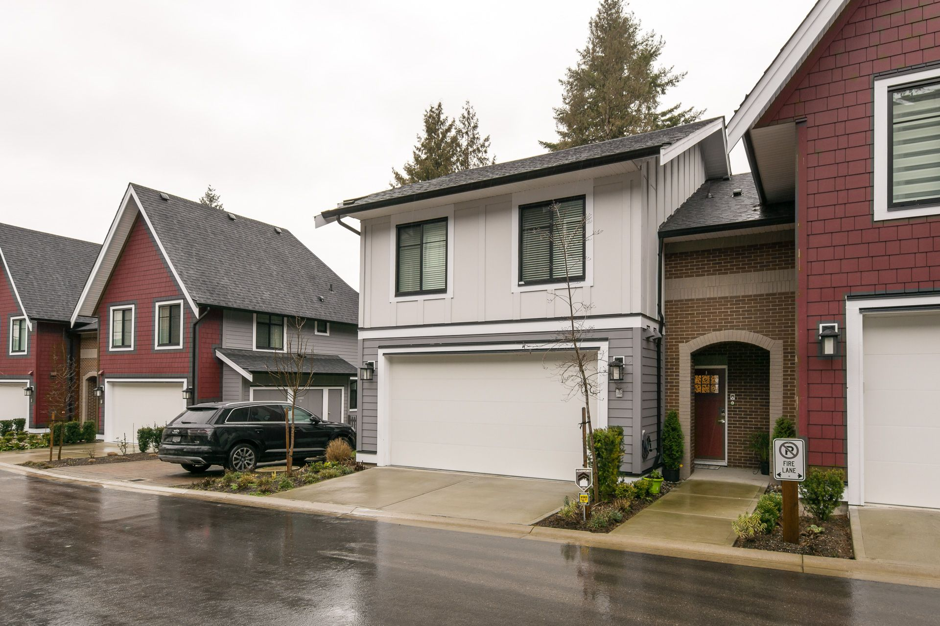 """Main Photo: 108 2853 HELC Place in Surrey: Grandview Surrey Townhouse for sale in """"HYDE PARK"""" (South Surrey White Rock)  : MLS®# R2234244"""