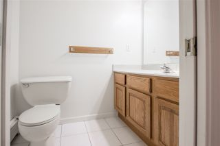 """Photo 4: 19041 62 Avenue in Surrey: Cloverdale BC House for sale in """"Cloverdale Hilltop"""" (Cloverdale)  : MLS®# R2307623"""