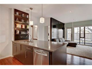 Photo 12: 105 414 MEREDITH Road NE in Calgary: Crescent Heights Condo for sale : MLS®# C4050218