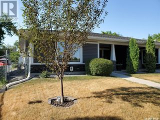 Photo 2: 561 9th ST E in Prince Albert: House for sale : MLS®# SK845117