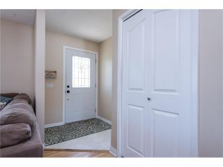 Photo 2: 4228 DALHART Road NW in Calgary: Dalhousie House for sale : MLS®# C4078994