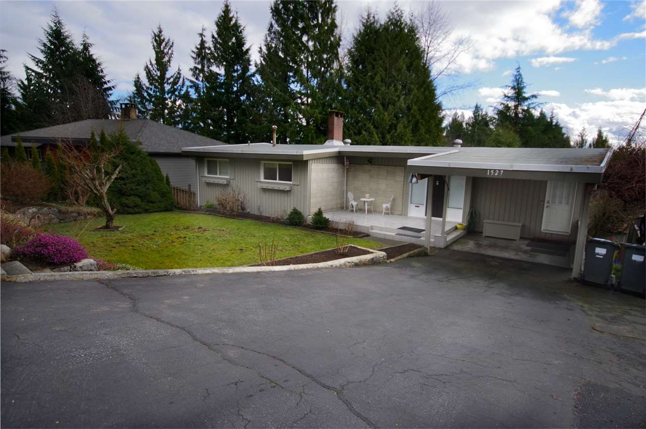 Main Photo: 1527 MERLYNN Crescent in North Vancouver: Westlynn House for sale : MLS®# R2542823