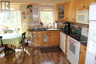 Photo 6: 2210 9 Avenue S in Lethbridge: House for sale : MLS®# A1143838