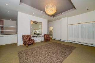 """Photo 3: 301 15466 NORTH BLUFF Road: White Rock Condo for sale in """"THE SUMMIT"""" (South Surrey White Rock)  : MLS®# R2273976"""