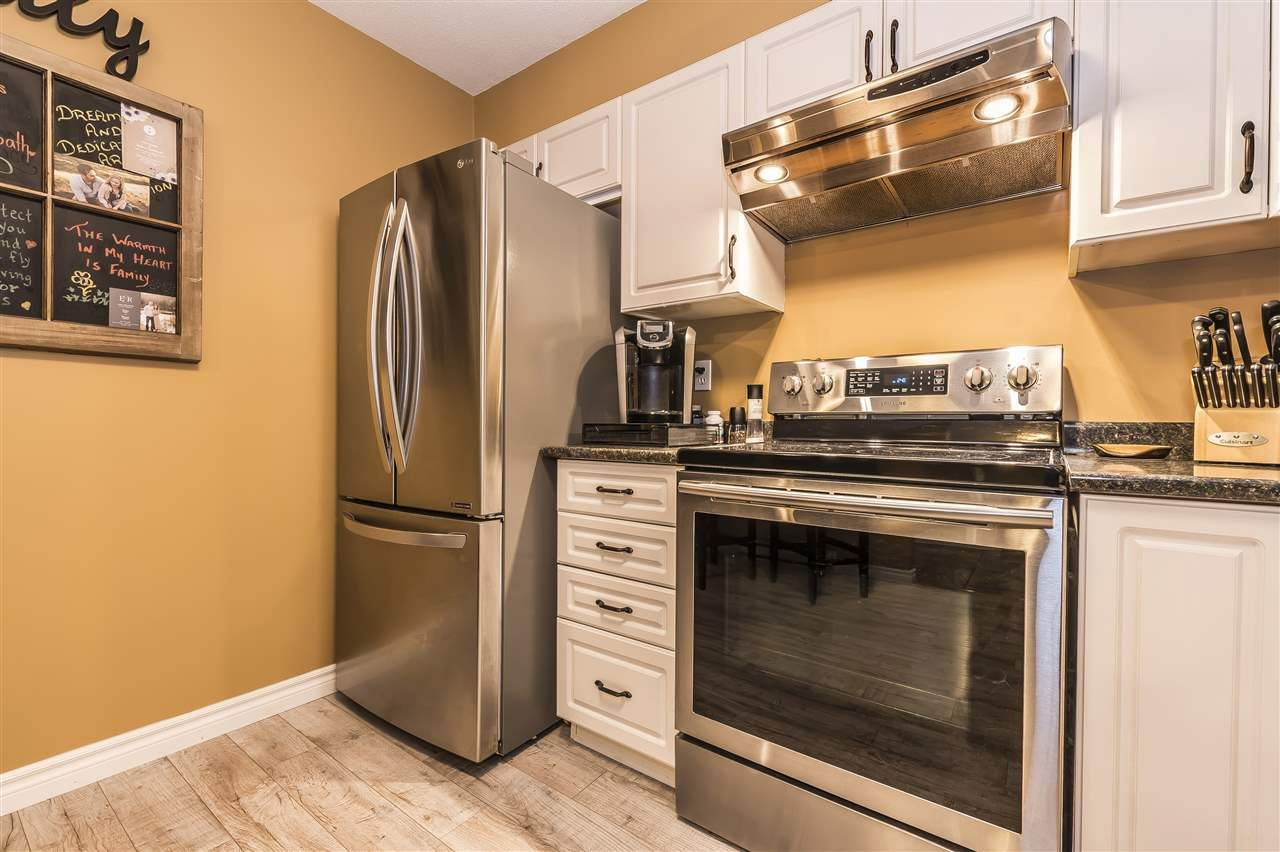 """Photo 3: Photos: 204 45520 KNIGHT Road in Sardis: Sardis West Vedder Rd Condo for sale in """"Morningside"""" : MLS®# R2346105"""