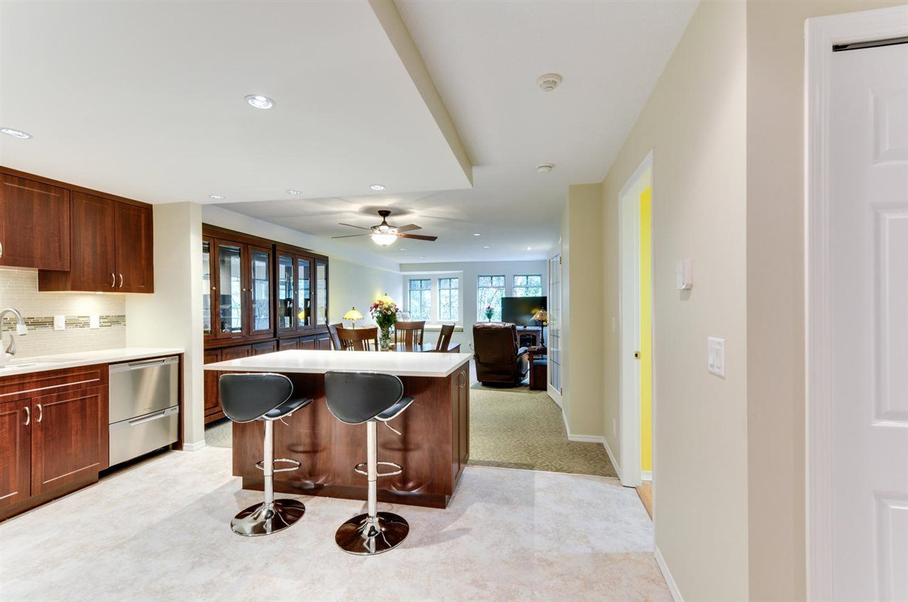 Main Photo: 211 6735 STATION HILL COURT in Burnaby: South Slope Condo for sale (Burnaby South)  : MLS®# R2254939