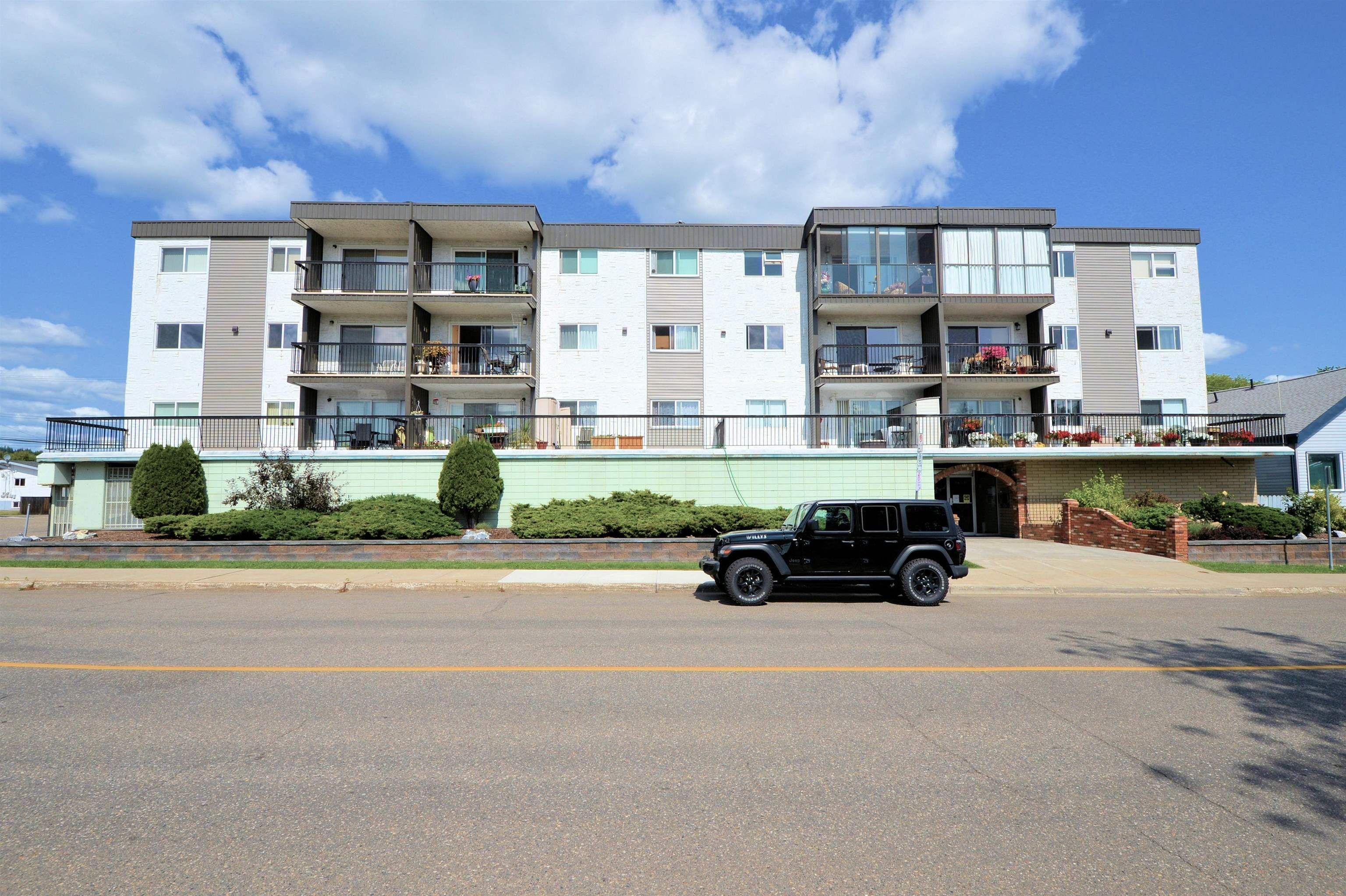 "Main Photo: 106 1654 10TH Avenue in Prince George: Crescents Condo for sale in ""Casa Royale"" (PG City Central (Zone 72))  : MLS®# R2610651"