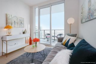 """Photo 5: 3006 8189 CAMBIE Street in Vancouver: Marpole Condo for sale in """"NORTHWEST"""" (Vancouver West)  : MLS®# R2336022"""
