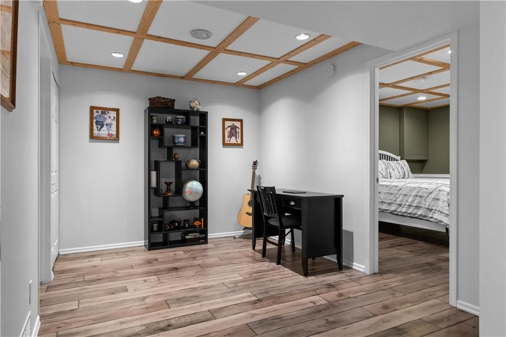 Photo 19: Photos: 1115 Waterford Avenue in Winnipeg: West Fort Garry Residential for sale (1Jw)  : MLS®# 202116113