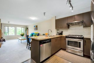 "Photo 11: 309 3105 LINCOLN Avenue in Coquitlam: New Horizons Condo for sale in ""LARKIN HOUSE EAST"" : MLS®# R2570479"