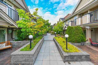"""Photo 2: 1119 ST. ANDREWS Avenue in North Vancouver: Central Lonsdale Townhouse for sale in """"St. Andrews Gardens"""" : MLS®# R2605968"""