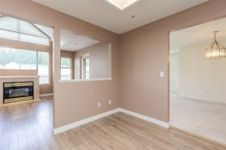 """Photo 9: 404 19131 FORD Road in Pitt Meadows: Central Meadows Condo for sale in """"WOODFORD MANOR"""" : MLS®# R2372445"""
