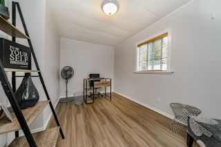 """Photo 15: 117 145 KING EDWARD Street in Coquitlam: Maillardville Manufactured Home for sale in """"MILL CREEK VILLAGE"""" : MLS®# R2408548"""