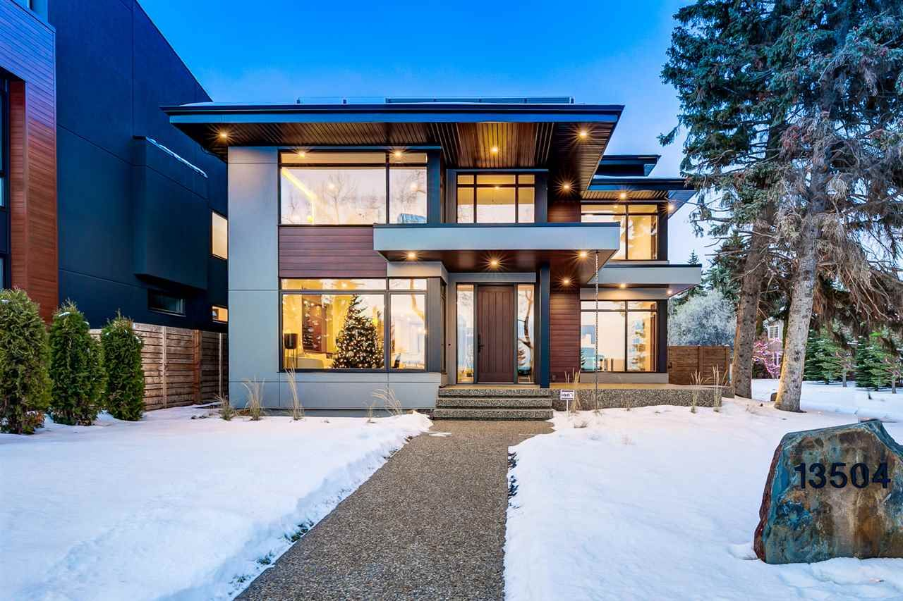 Main Photo: 13504 RAVINE Drive in Edmonton: Zone 11 House for sale : MLS®# E4225807