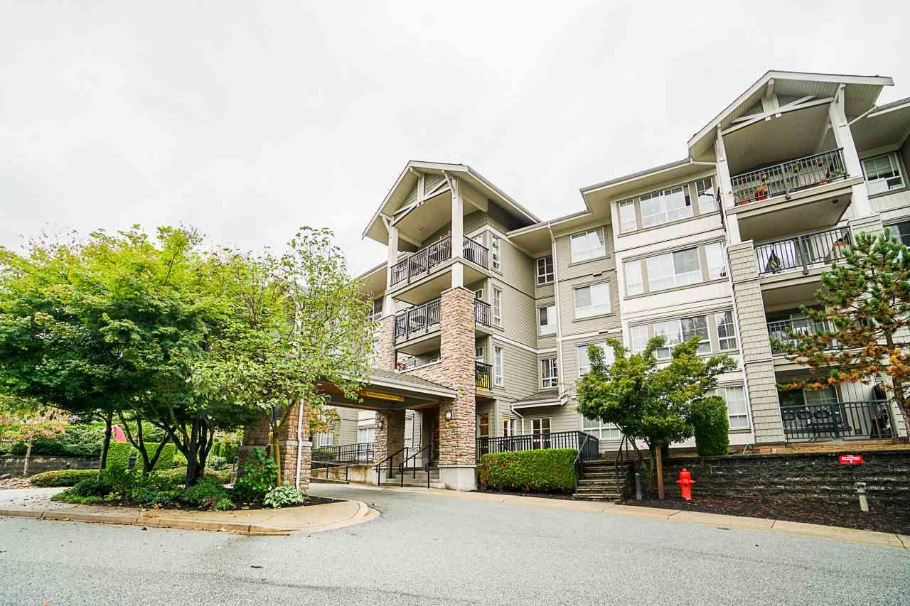 """Main Photo: 102 9233 GOVERNMENT Street in Burnaby: Government Road Condo for sale in """"Sandlewood complex"""" (Burnaby North)  : MLS®# R2502395"""