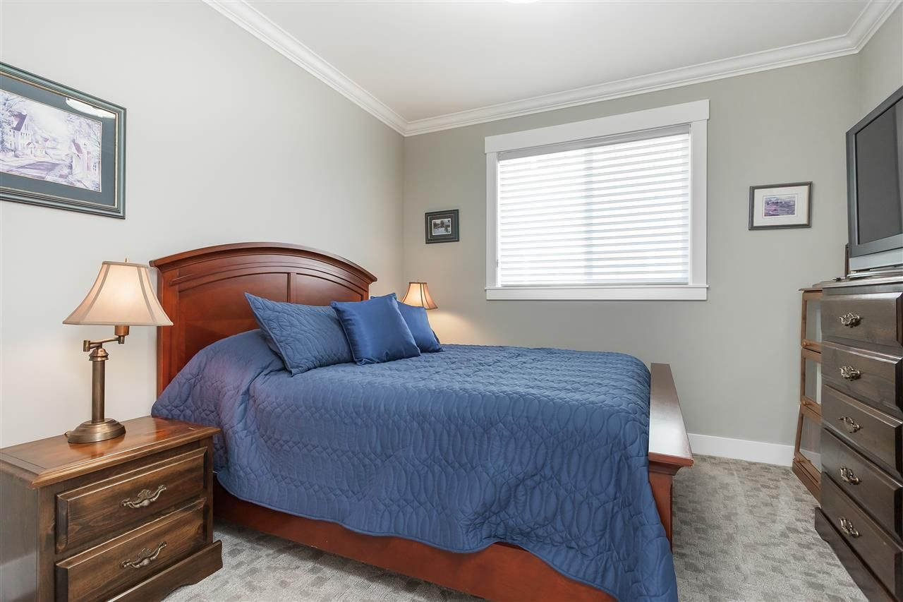 Photo 14: Photos: 4927 215 Street in Langley: Murrayville House for sale : MLS®# R2443426