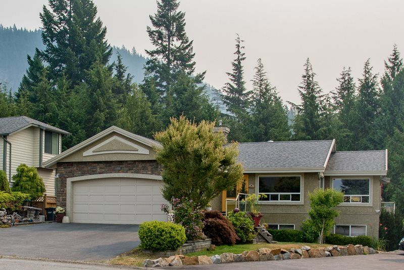 FEATURED LISTING: 1004 TOBERMORY Way Squamish