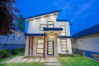 Photo 1: 1106 EDINBURGH Street in New Westminster: Moody Park House for sale : MLS®# R2403527