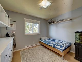 Photo 15: 736 CREEKSIDE Crescent in Gibsons: Gibsons & Area House for sale (Sunshine Coast)  : MLS®# R2624536