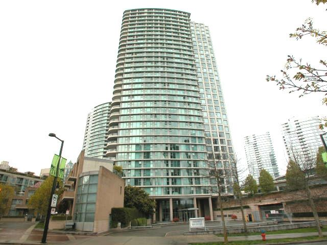 "Main Photo: 2007 1009 EXPO Boulevard in Vancouver: Downtown VW Condo for sale in ""LANDMARK 33S"" (Vancouver West)  : MLS®# V705605"