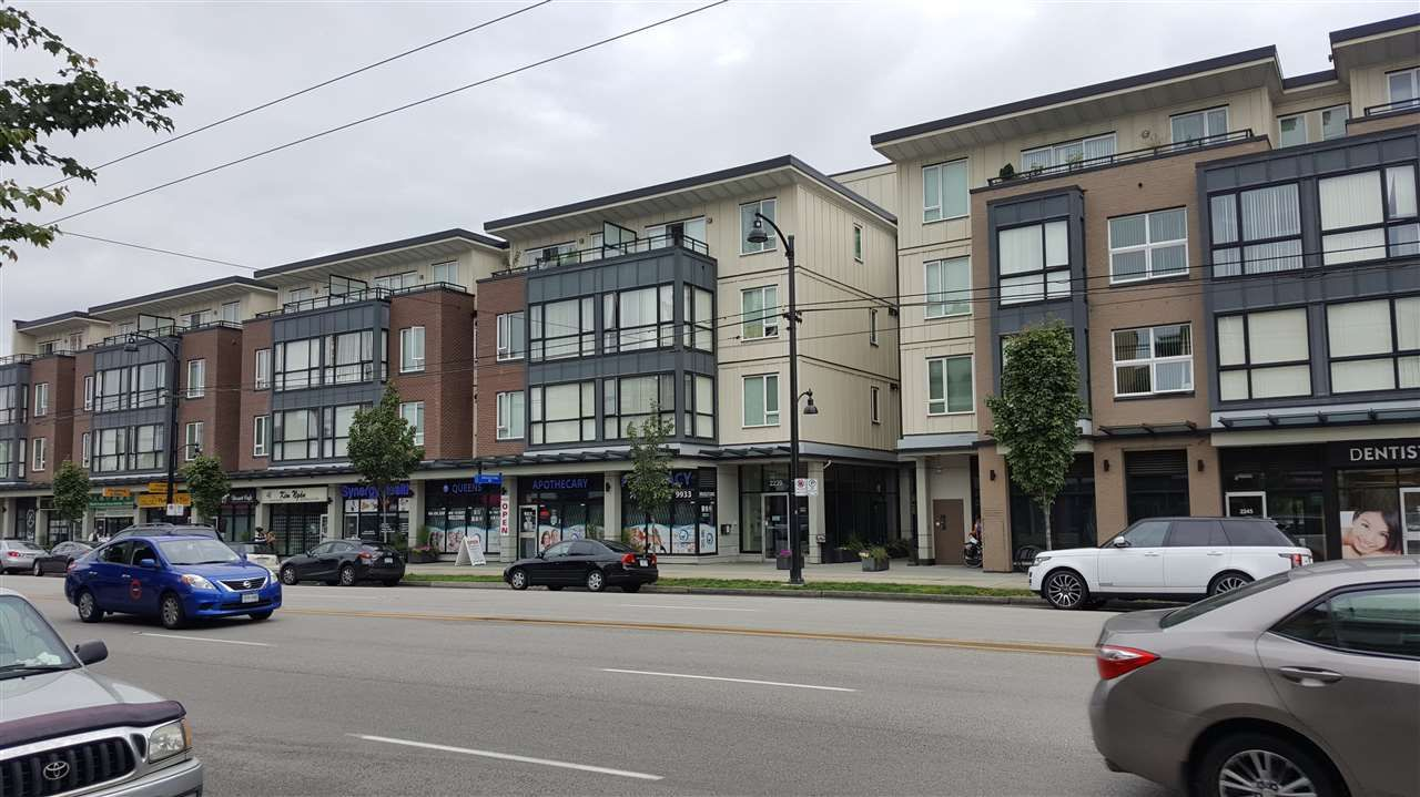 Main Photo: 106 2239 KINGSWAY in : Victoria VE Condo for sale : MLS®# R2090601