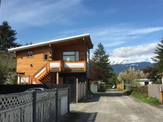 Photo 2: 38044 FIFTH Avenue in Squamish: Downtown SQ House for sale : MLS®# R2539837