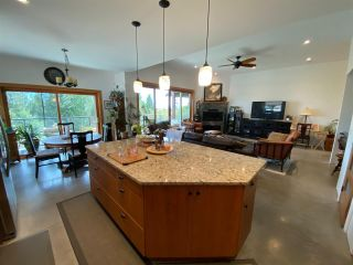 """Photo 17: 6173 MIKA Road in Sechelt: Sechelt District House for sale in """"PACIFIC RIDGE"""" (Sunshine Coast)  : MLS®# R2543749"""