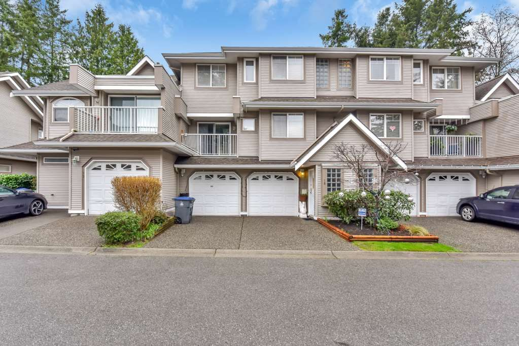 """Main Photo: 18 8289 121A Street in Surrey: Queen Mary Park Surrey Townhouse for sale in """"KENNEDY WOODS"""" : MLS®# R2527186"""