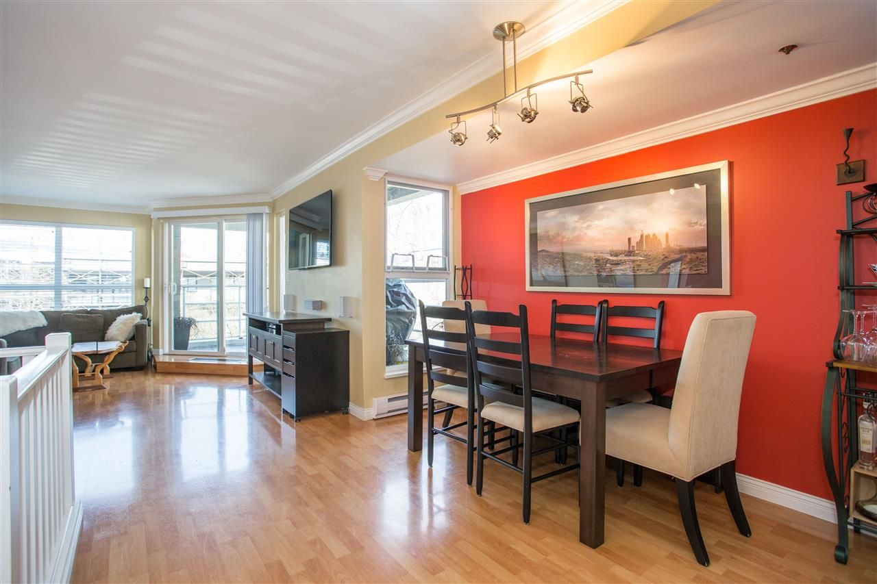 Photo 3: Photos: 2232 YORK Avenue in Vancouver: Kitsilano Townhouse for sale (Vancouver West)  : MLS®# R2255539