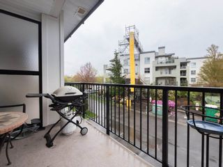 "Photo 2: 221 5430 201 Street in Langley: Langley City Condo for sale in ""The Sonnet"" : MLS®# R2257402"