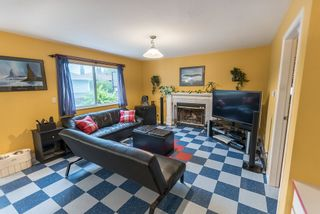 """Photo 12: 536 SAN REMO Drive in Port Moody: North Shore Pt Moody House for sale in """"NORTH SHORE"""" : MLS®# R2204199"""