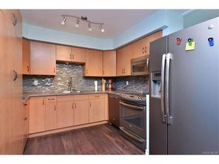 Photo 2: 5 736 Wilson St in VICTORIA: VW Victoria West Row/Townhouse for sale (Victoria West)  : MLS®# 747551