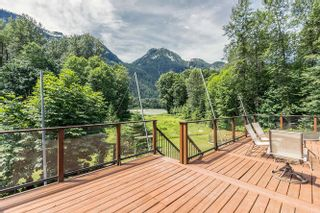 Photo 13: 1120 DOGHAVEN LANE in Squamish: Upper Squamish House for sale : MLS®# R2077411