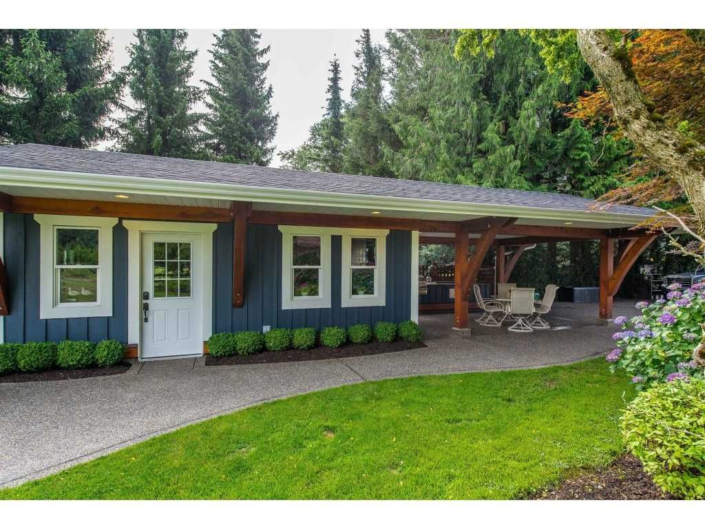 Photo 13: Photos: 6209 HOLLY Road: Agassiz House for sale : MLS®# R2388475
