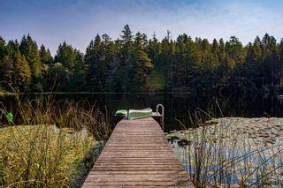 Photo 3: 685 Lost Lake Rd in : Hi Western Highlands House for sale (Highlands)  : MLS®# 855615