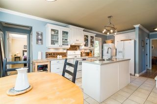 Photo 4: 1711 157 Street in Surrey: King George Corridor House for sale (South Surrey White Rock)  : MLS®# R2364482