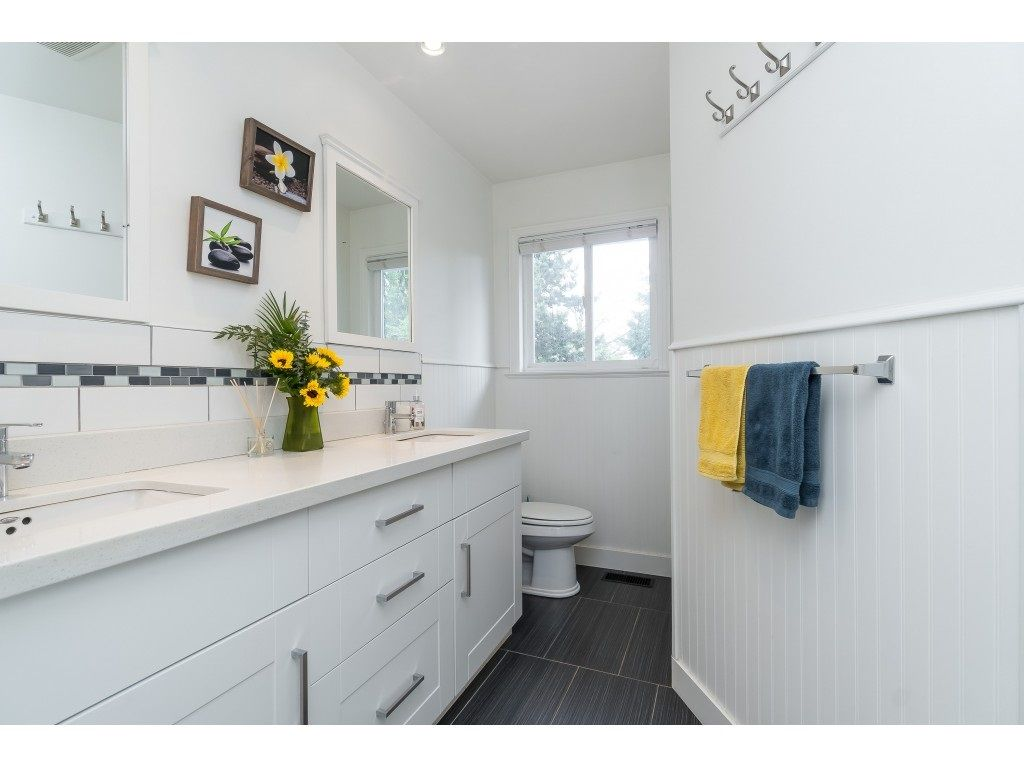 """Photo 15: Photos: 2669 VALEMONT Crescent in Abbotsford: Abbotsford West House for sale in """"West Clearbrook"""" : MLS®# R2460646"""