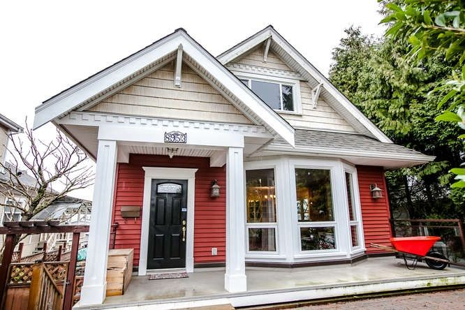 Main Photo: 8953 ARMSTRONG AVENUE in : The Crest House for sale : MLS®# R2042932