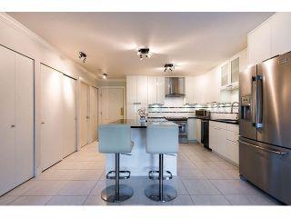 """Photo 7: 509 12101 80TH Avenue in Surrey: Queen Mary Park Surrey Condo for sale in """"SURREY TOWN MANOR"""" : MLS®# F1443181"""