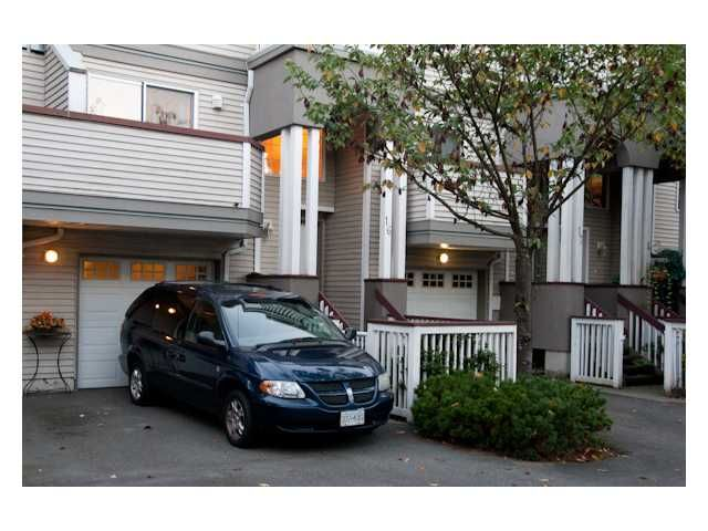 """Main Photo: 16 2615 SHAFTSBURY Avenue in Port Coquitlam: Central Pt Coquitlam Townhouse for sale in """"CAULFIELD ESTATES"""" : MLS®# V913391"""