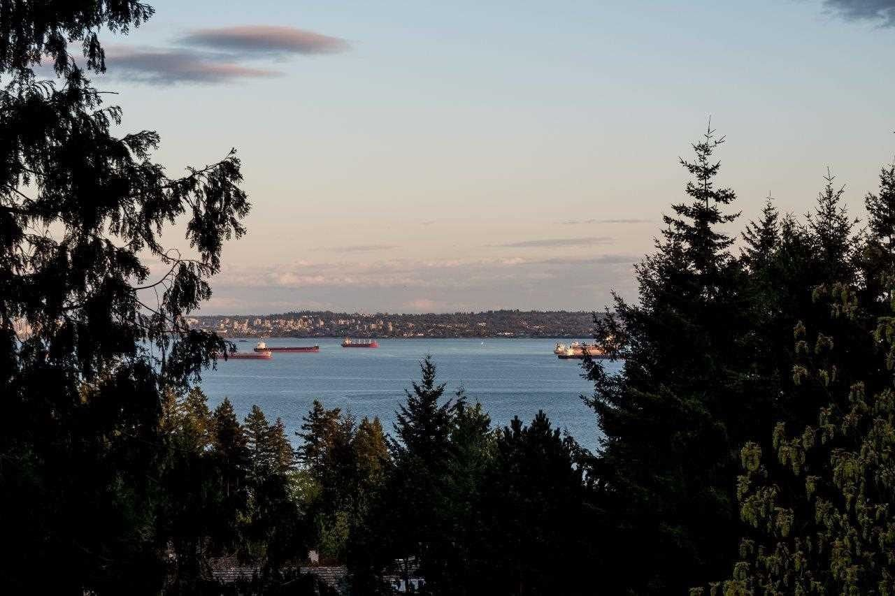 Main Photo: 4880 HEADLAND Drive in West Vancouver: Caulfeild House for sale : MLS®# R2606795