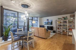 """Photo 5: 901 128 W CORDOVA Street in Vancouver: Downtown VW Condo for sale in """"WOODWARDS"""" (Vancouver West)  : MLS®# R2202808"""